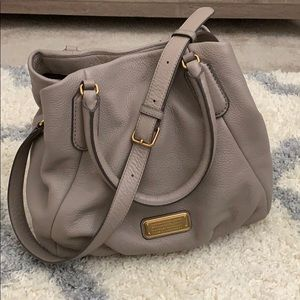 Marc by Marc Jacobs New Q Fran satchel stone/gray